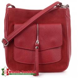 Czerwona torebka Fiore z naszytą z przodu kieszenią z klapą