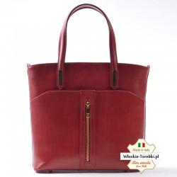 Czerwona torebka z ozdobnym złotym suwakiem z przodu