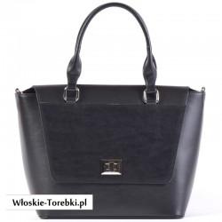 Czarny kuferek - torebka z klapą i ozdobnym zapięciem